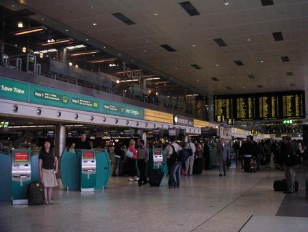ダブリン空港にて
